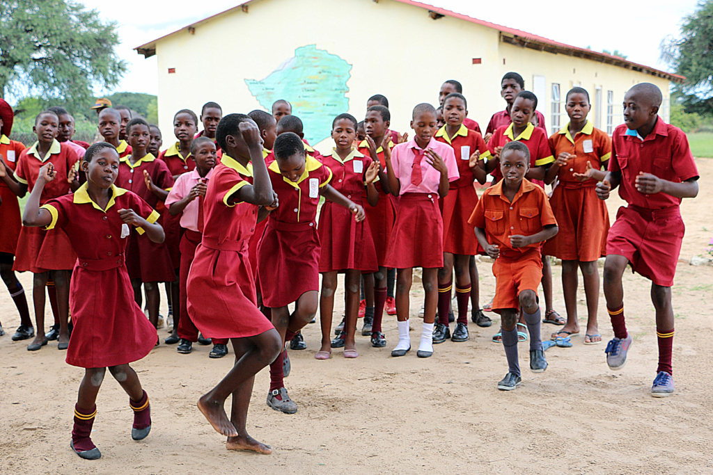 A welcome dance from the Ngamo school children